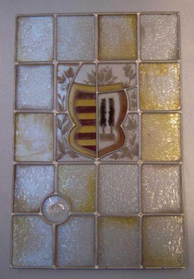 Anoniem, glasraam met het wapen van de stad Hasselt, s.d., glas in lood.