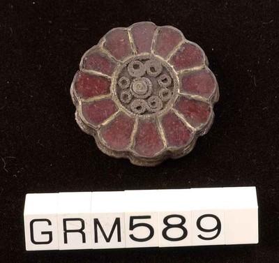 Incomplete zilveren almandinfibula