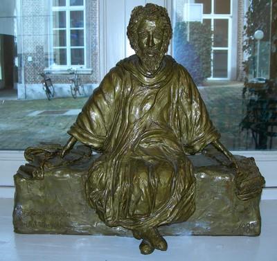 Louis Houben (°1927), kopie van het beeld van Hendrik van Veldeke aan de Thonissenlaan, 1982, geboetseerd.