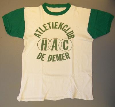 Anoniem, t-shirt van de Hasseltse atletiekclub HAC De Demer, gedragen door Jean Achten, jaren 1960-1970, katoen.