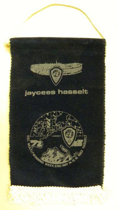Anoniem, wimpel Jaycees Hasselt, relatiegeschenk, 1982, fluweel.