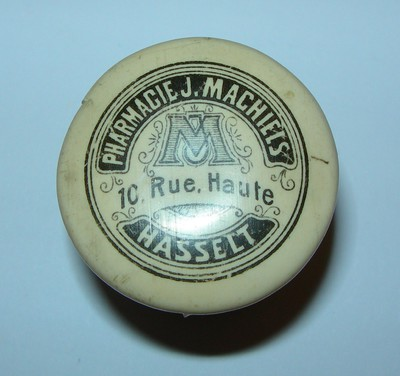 Anoniem, apothekerspotje van Pharmacie J. Machiels in Hasselt, s.d.