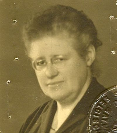 Gillard, foto van Mejuffrouw Mariette Leonard, 1895, papier.