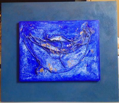 Magda Cuykx (°1952), assemblage 'Vissen', s.d., porselein, bladgoud en touw met acryl.