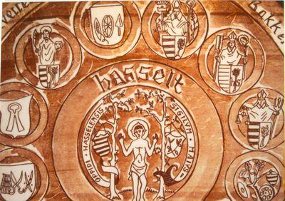 Limburgia, sierbord met afbeelding van de twaalf Hasseltse ambachten van 1539, s.d., geglazuurd aardewerk.