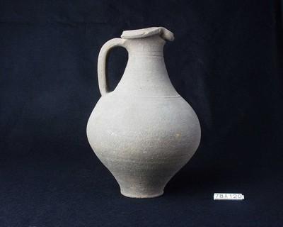 Volledige kookkan in ruwwandig gesmookt aardewerk (RWO)