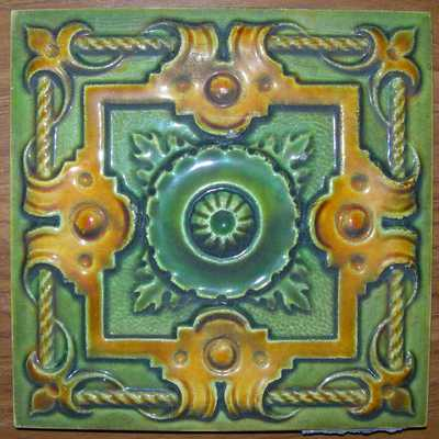 Manufactures Ceramiques d' Hemixem Gillot & Co., tegel met geometrisch motief, s.d., geglazuurd keramiek.