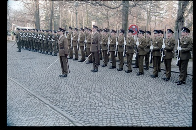 Fotografie: Verabschiedung von Major General Bernard Gordon Lennox, britischer Stadtkommandant, in der Alliierten Kommandantur in Berlin-Dahlem