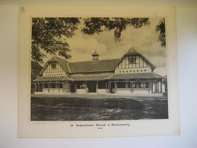 131. Inlandsche School te Buitenzorg. Java.
