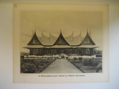 133. Menangkabausche School in Midden-Soemátra.
