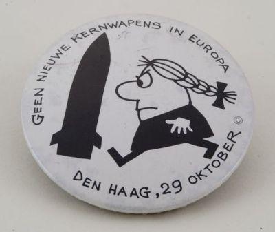 Geen kernwapens in Europa'. Button