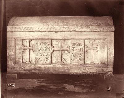 Ravenna, Basilica di Sant'Apollinare in Classe, Sarcofago dell'arcivescovo Giovanni