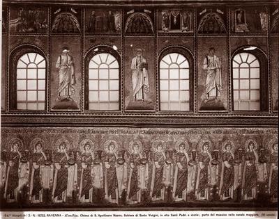 Ravenna, Basilica di Sant'Apollinare Nuovo, Particolare della parete nord con la teoria delle sante, i profeti e storie di Cristo