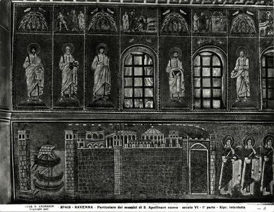 Ravenna, Basilica di Sant'Apollinare Nuovo, Particolare della parete nord con la città di Classe, la teoria delle sante, i profeti e storie di Cristo