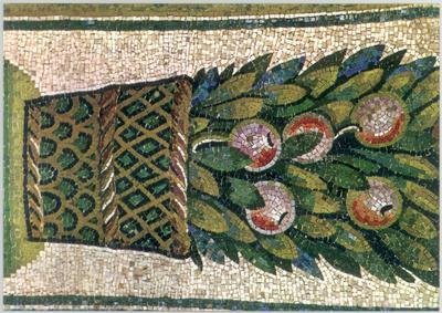 Ravenna, Mausoleo di Galla Placidia, Sottarco con cesti di foglie e frutta, particolare