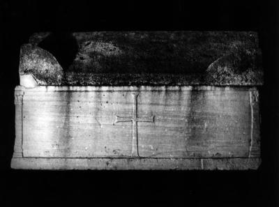Ravenna, Prato di San Vitale, Sarcofago con agnelli, retro