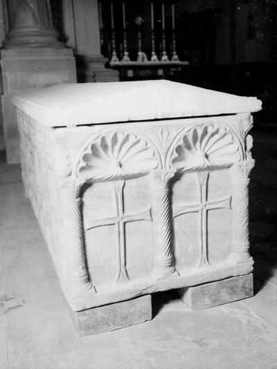 Ravenna, Museo Arcivescovile, Sarcofago a sei nicchie, fianco destro