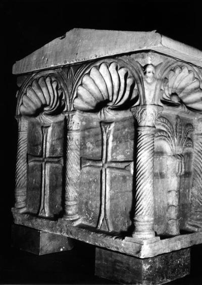 Ravenna, Museo Arcivescovile, Sarcofago a sei nicchie, fianco sinistro