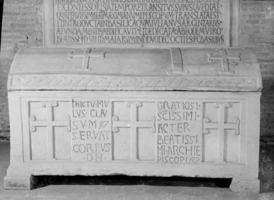 Ravenna, Basilica di Sant'Apollinare in Classe, Sarcofago dell'arcivescovo Grazioso