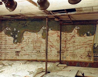 Ravenna, Basilica di Sant'Apollinare in Classe, Sinopia ritrovata sotto i mosaici absidali