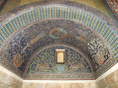 Ravenna, Mausoleo di Galla Placidia, Lunetta con cervi che si abbeverano