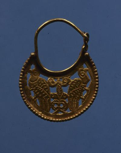 Department of Antiquities Republic of Cyprus: Gold eraring (J. 497)