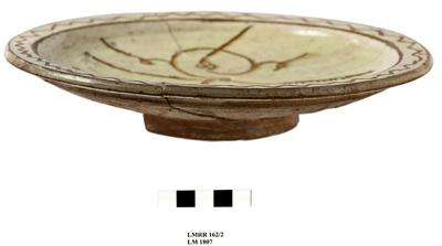 Cyprus Medieval Museum: Plate (MM137, LM RR 162/2 LM 1807)