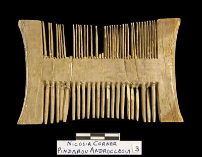Cyprus Medieval Museum: Comb (MM1114(A), No. 3 p. 6  1989/xi-14)