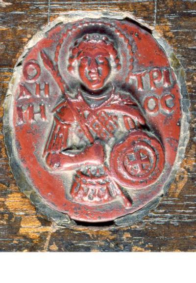 Μουσείο Ιεράς Μονής Κύκκου (Κύπρος): Καμέος από υαλόμαζα με τον Άγιο Δημήτριο, στερεωμένος σε μεταγενέστερο ξύλινο αντιμήνσιο