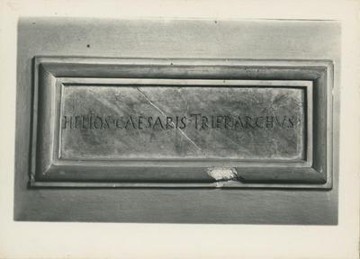 Firenze: Collezione epigrafica di Palazzo Rinuccini. Iscrizione del trierarca Elio Cesare