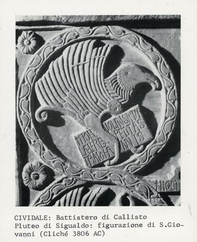 Cividale: Battistero di Callisto. Pluteo di Sigualdo: figurazione di S. Giovanni