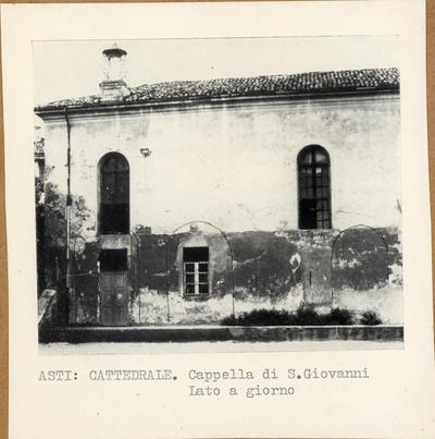 Asti. Cattedrale. Cappella di S. Giovanni.  Lato a giorno