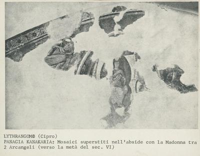 Lythrangomi (Cipro). Panagia Kanakaria: Mosaici superstiti nell'abside con la Madonna tra due arcangeli (verso la metà del VI secolo)