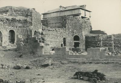 Bosra: cattedrale. Ambienti orientali con il serbatoio costruito sopra il diaconicon