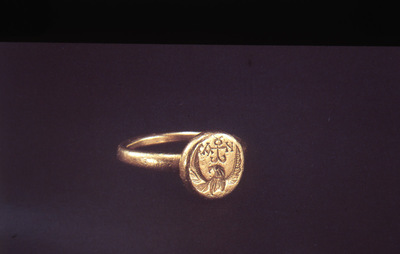 Gold ring with round engraved bezel depicting an eagle and a cruciform monogram, Benaki Museum, Athens, Greece