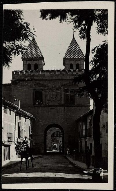 Toledo : Puerta de Visagra nueva / Loty.-.