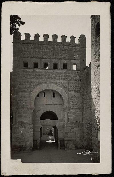 Toledo : Puerta de Visagra vieja / Loty.-.