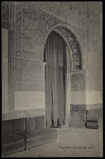 Toledo : Salón de Mesa.-.