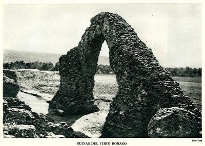 Ruinas del circo romano / Loty.-.