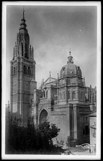 Toledo - Catedral. Fachada.
