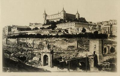 Toledo - Puente de Alcántara y el Alcázar.-.