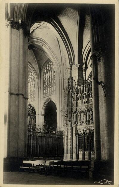 Toledo - La Catedral, una nave.-.