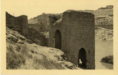 Toledo - Baño de la Cava y puente de San Martín.-.