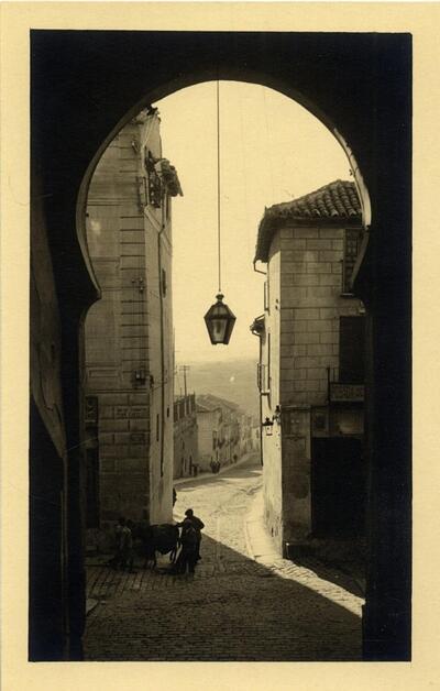 Toledo - Arco de la Sangre.-.