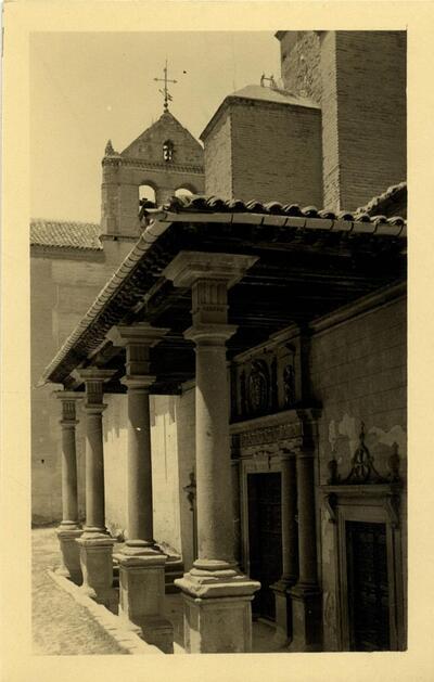 Toledo - Pórtico de Santo Domingo el Real.-.