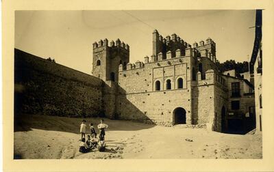 Toledo - Puerta de Alfonso VI.-.