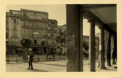 Toledo - Plaza de Zocodover y estudio fotográfico de Lucas Fraile.-.