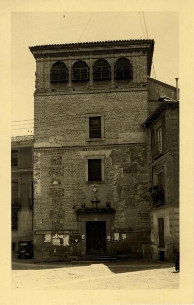 Toledo - Fachada de la iglesia del convento de las Gaitanas.-.