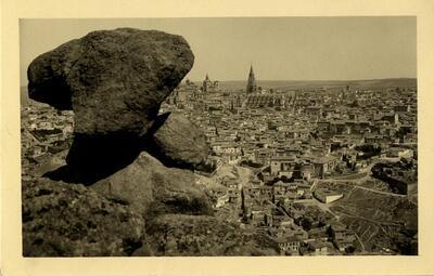 Toledo - Vista panorámica desde la Piedra del Rey moro.-.