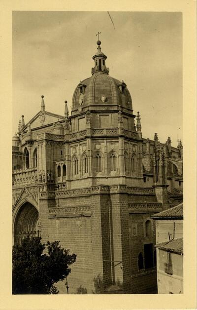 Toledo - Exterior de la capilla Mozárabe.-.